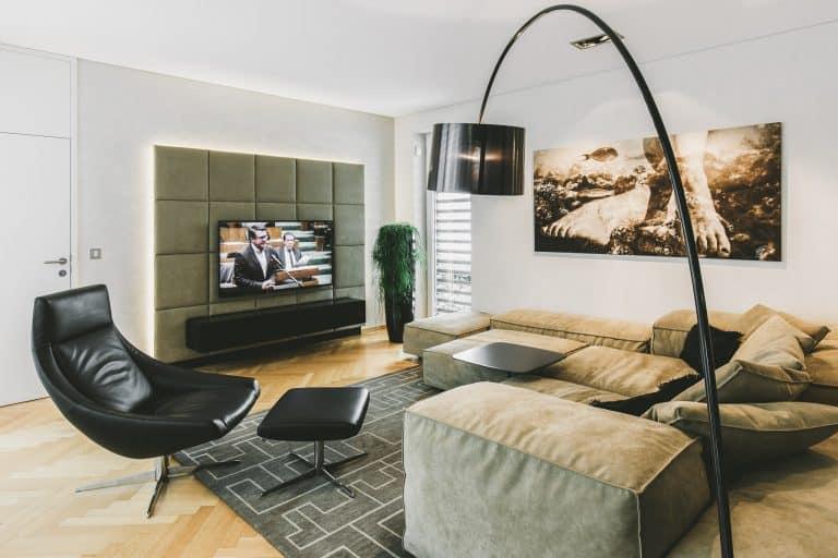Tischlerei Ulrich E Wohnzimmer Leder Couch chair Flatscreen hometheather 1