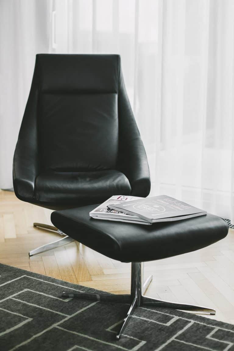 Tischlerei Ulrich E Wohnzimmer Leder Couch chair Flatscreen hometheather 12