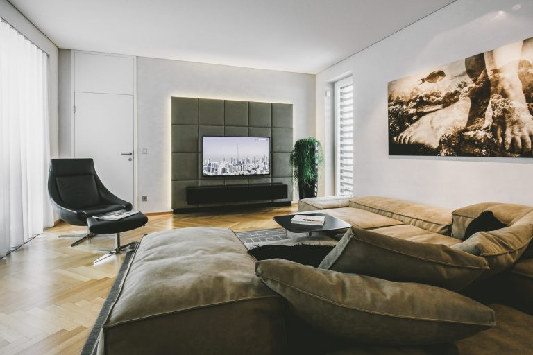 Tischlerei Ulrich E Wohnzimmer Leder Couch chair Flatscreen hometheather 4