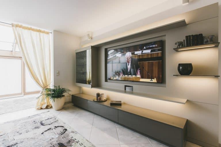 Tischlerei Ulrich Küche Wohnzimmer TV Flatscreen Leder Holz 5